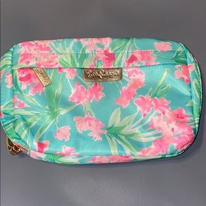 New Lilly Pulitzer Make Up Bag